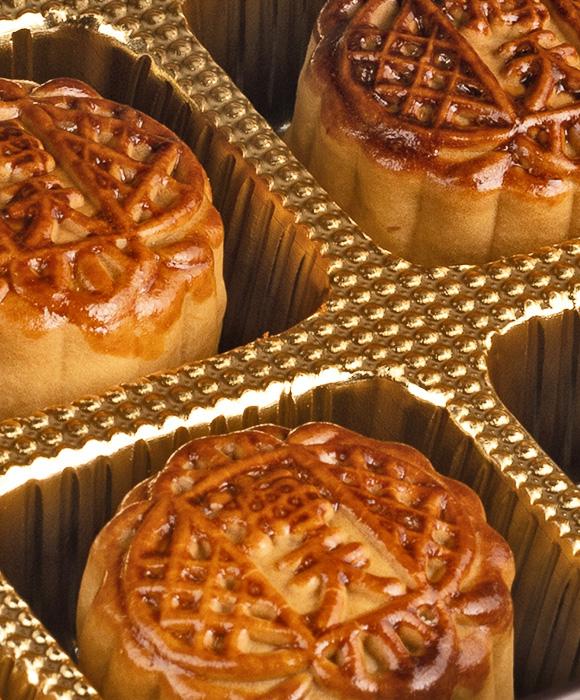 Hoi-Tin-Restaurant-Mooncakes-close